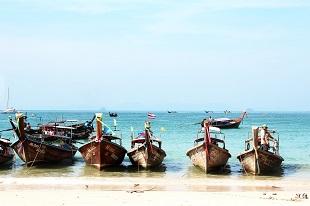 Bateaux locaux durant notre circuit hors des sentiers en Thaïlande - Voyage en Thailande
